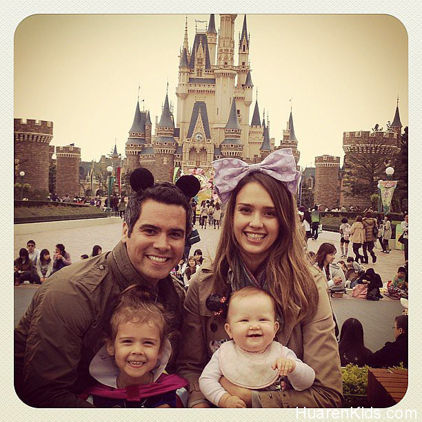 Jessica-Alba-Cute-Instagram-Photos-Her-Kids.jpg - Jessica Alba荣膺最佳妈妈 - 华人小孩 - HuarenKids