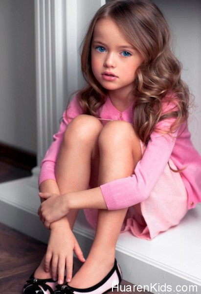 The-most-beautiful-girl-in-the-world-Kristina-Pimenova-1-411x600.jpg - 最美的九岁超模,沉鱼落雁毫无瑕疵 - 华人小孩 - HuarenKids