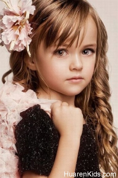 The-most-beautiful-girl-in-the-world-Kristina-Pimenova-14-400x600.jpg - 最美的九岁超模,沉鱼落雁毫无瑕疵 - 华人小孩 - HuarenKids